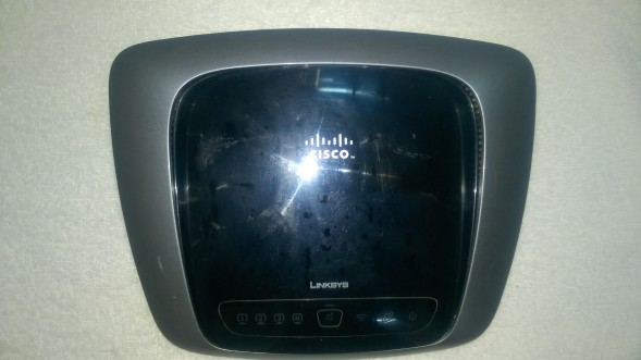Router Gigabit Linksys WRT320N